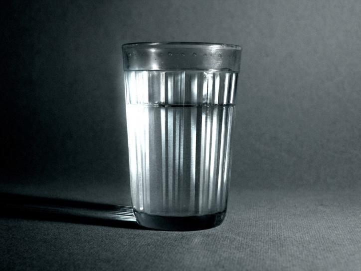16 Жители Рязани обсуждают памятник граненому стакану