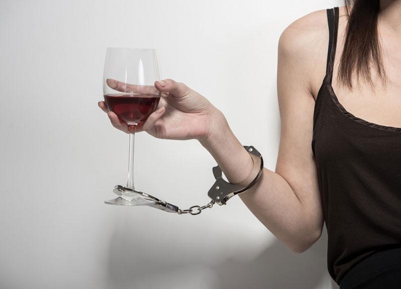 85 4 Первые признаки алкоголизма у женщин