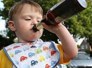 1369645748 rebenok i pivo Проблемы с алкоголем из детства