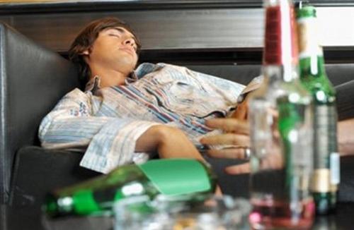 Что пить при алкогольном отравлении: что можно принять после ...