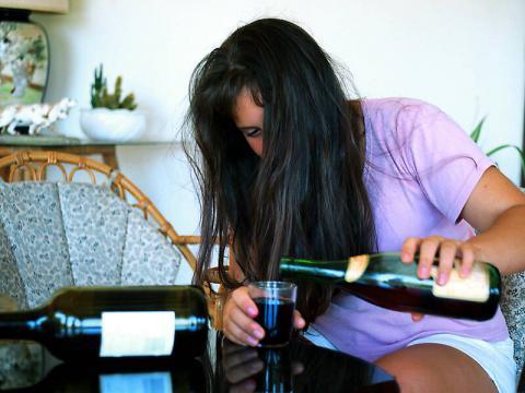 Стадии алкоголизма у женщин | Лечение алкоголизма
