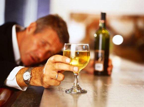 Капли от алкоголизма без ведома больного: лечение дома | Лечение ...
